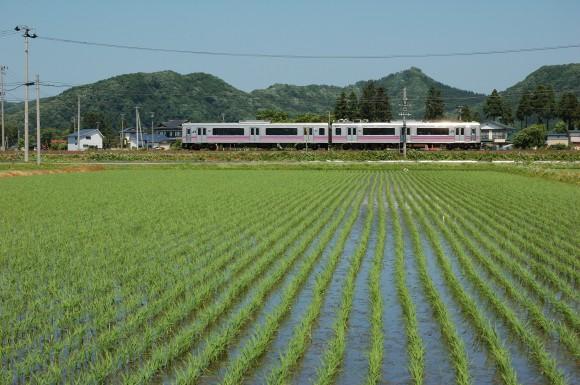 「JR田沢湖線」 撮影場所:JR田沢湖線鑓見内駅周辺 撮影日:2013.6.12 JR-6